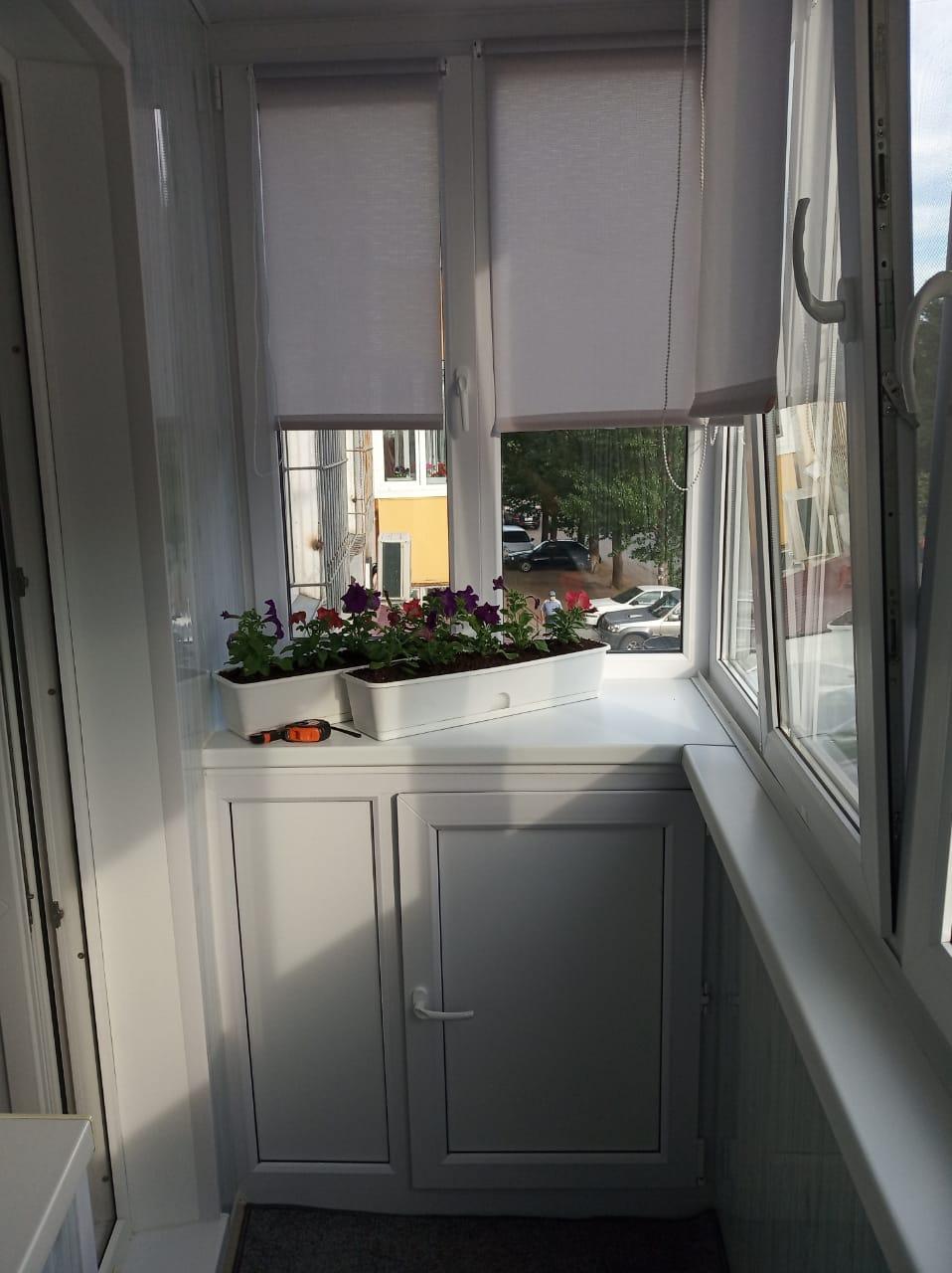 Отделка балкона шкафчик дм