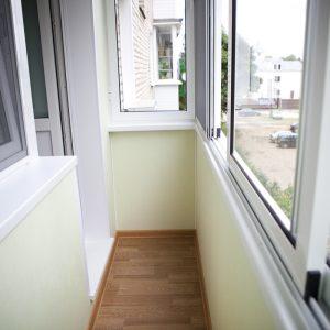 01-otdelka-balkona-panelyami